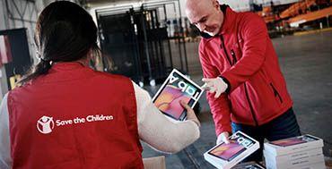 Save the Children y Samsung unidos para facilitar en acceso a la tecnología a familias sin recursos