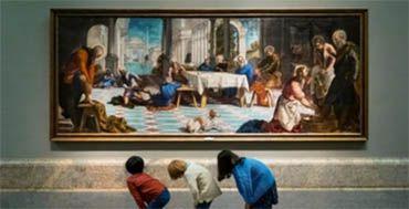 Una pantalla de televisión se convierte en una galería de arte