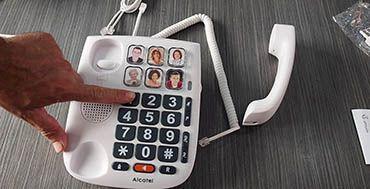 Los nuevos teléfonos de Alcatel y Swissvoice, diseñados para personas mayores, llegan de la mano de MCR