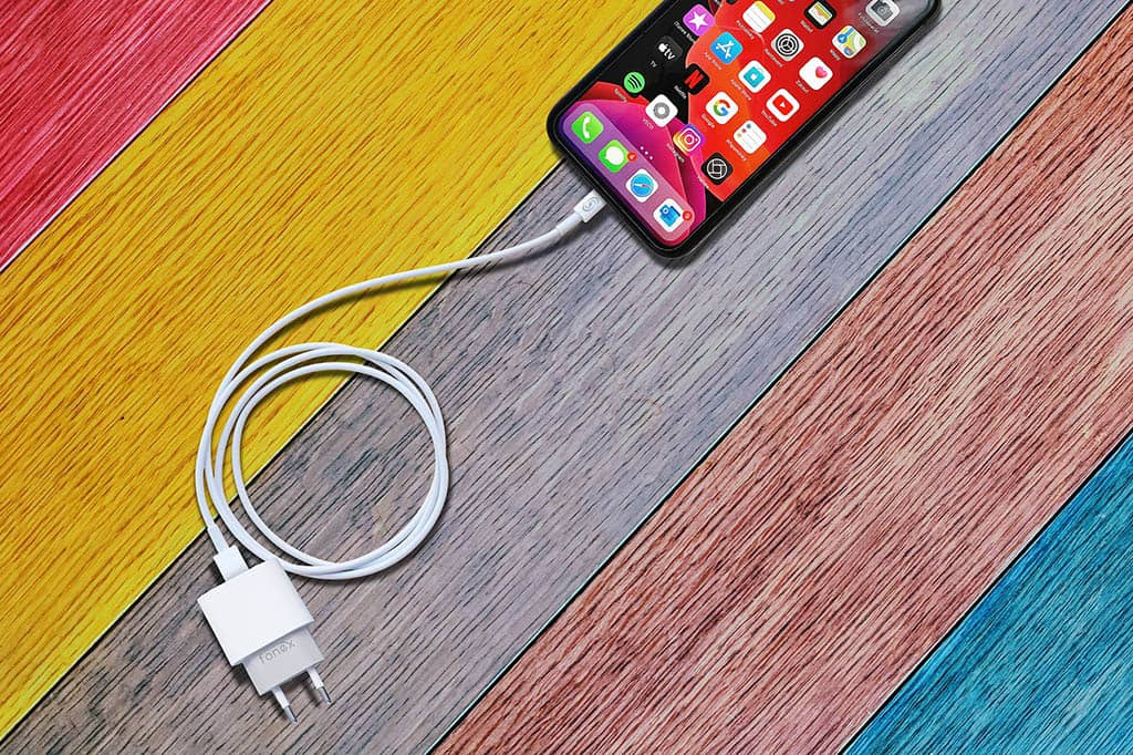 Fonex Kit Travel Charger permite tener el Smartphone siempre cargado y en cualquier lugar